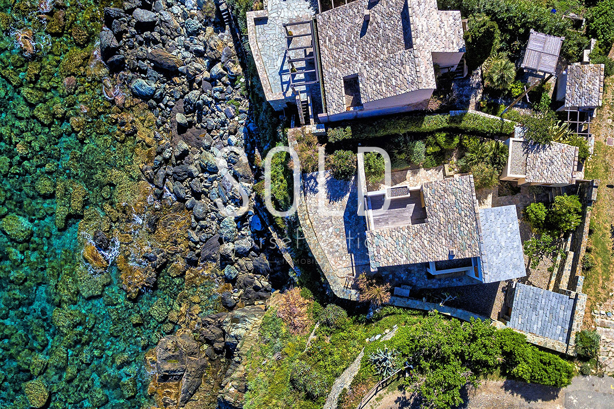 Waterfront-house-in-Corsica-Exclusivity-Ref-N55