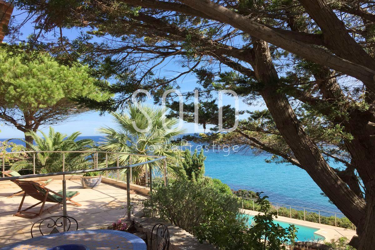 Waterfront-villa-Marine-de-Davia-n42