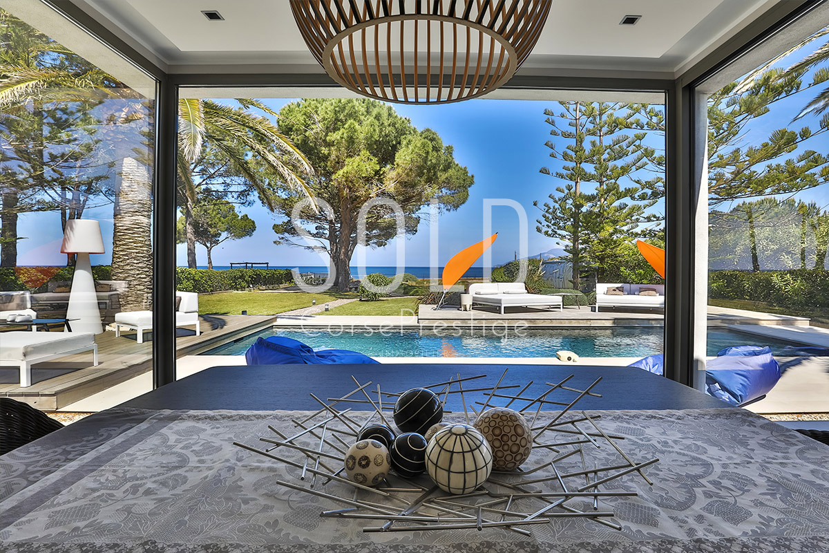 waterfront-contemporary-property-n63